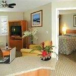 фото Hawthorn Suites Manhattan Beach 228271506