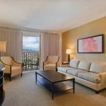 фото Hilton Waikiki Beach Hotel 228294570