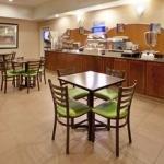 фото Holiday Inn Express Topeka North 228323636