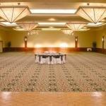 фото Holiday Inn Plaza - Visalia 228349667