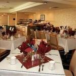 фото Holiday Inn Woodland Hills 228350440