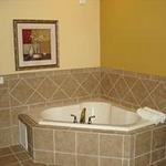 фото La Quinta Inn & Suites Mobile - Tillman`s Corner 228608036