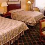 фото Michael`s Inn Fallsview Hotel 228728090