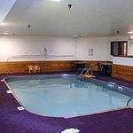 фото Quality Inn & Suites Watertown 228886906