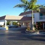 фото Super 8 Motel Sarasota 229122343