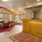 фото Super 8 Motel Yellowstone Park Gardiner 229123139