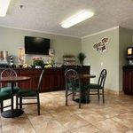 фото Microtel Inn by Wyndham Wilson 229256304