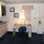 фото Lees Inn And Suites Evansville 321246818