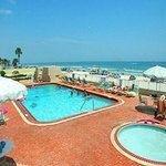 фото Comfort Inn & Suites Oceanfront 362530836