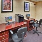 фото Holiday Inn Hotel & Suites Warren 362534426