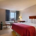 фото Ramada Waterloo Hotel and Convention Center 362537112