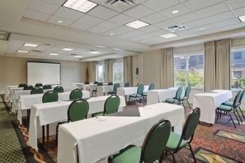 фото Hilton Garden Inn Omaha 370108162