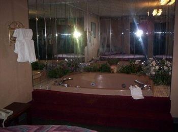 фото La Kiva Hotel And Convention Center 370121134