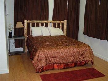 фото Glacier Park Motel and Campground 370147895