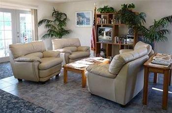 фото California Suites Hotel 370158089