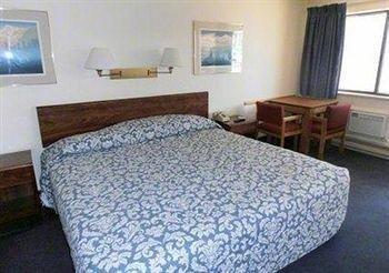 фото Rodeway Inn 370198320
