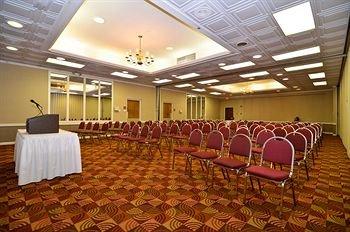 фото Red Lion Hotel Farmington 370392681