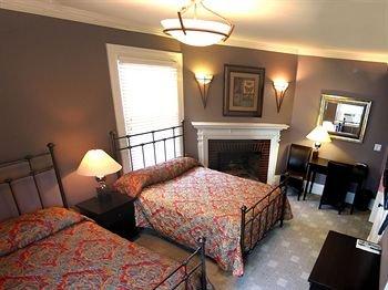 фото Longwood Inn 370422508