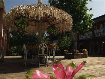 фото Beachfront Wakulla Bedroom Suites 370507325