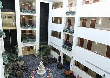 фото Hampton Inn & Suites Rockville Centre 370527956