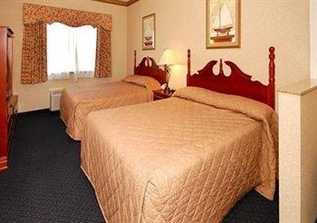 фото Comfort Suites Lakeside 370567592