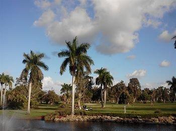фото Hollywood Beach Golf Resort 370628629