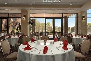 фото Embassy Suites Phoenix - Scottsdale 370654153
