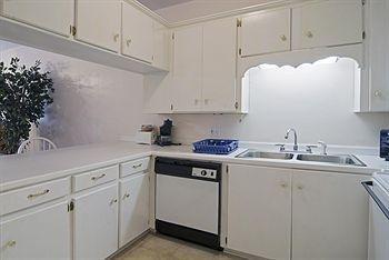 фото Americas Best Value Inn & Suites - Kinder 370697224