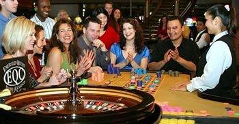 фото Emerald Queen Hotel & Casino 370877104