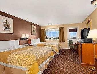 фото Days Inn San Simeon 370896747