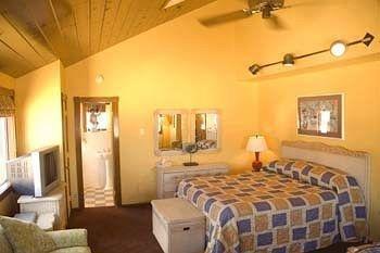 фото Glenmore Plaza Hotel 371070859