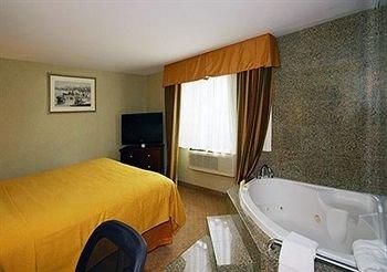 фото Quality Inn Jamaica AirTrain 371485264