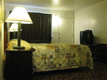 фото Fremont Frontier Motel 371493730