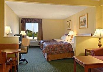 фото Regency Inn and Suites 371781073