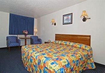 фото Rodeway Inn 371905265