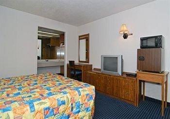 фото Rodeway Inn 371905266