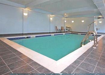 фото Comfort Inn & Suites Cambridge 372380448