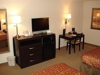 фото AmericInn Lodge & Suites Monmouth 372456747