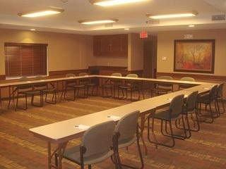 фото AmericInn Lodge & Suites Monmouth 372456784