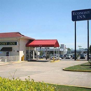 фото Economy Inn Conway 373044271