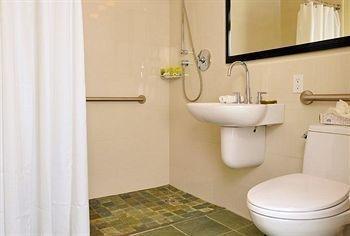 фото The Strand Hotel 373060611