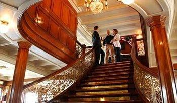 фото Delta Queen Hotel 373107064