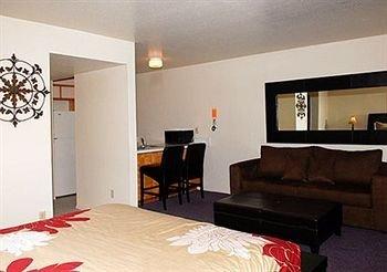 фото Regency Inn and Suites 373274571