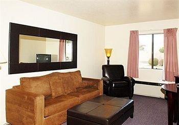 фото Regency Inn and Suites 373274579