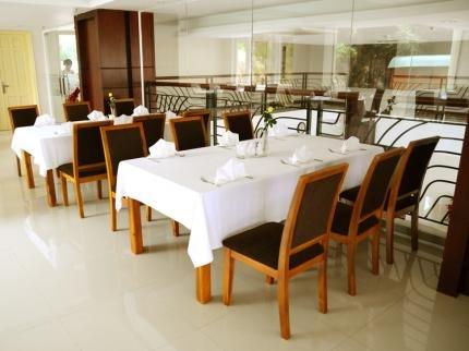 фото The Coast Hotel 373416040