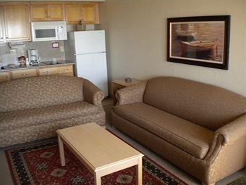 фото Beach House Inn & Suites 373431566