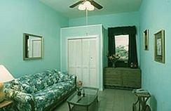 фото Blue Parrot Inn 373435781