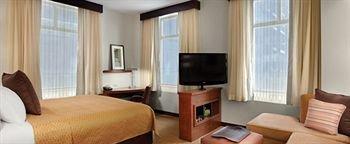 фото Hyatt Place Des Moines Downtwn 373751455