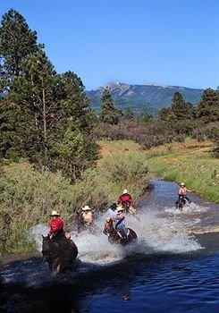 фото Majestic Dude Ranch 374054629
