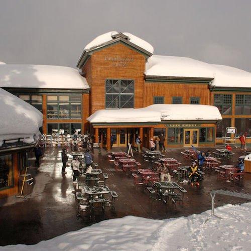 фото Targhee Lodge at Grand Targhee Resort 414085587